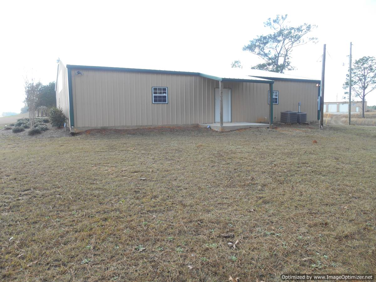 Wayne County 2 5 Acres With Commercial Building 4